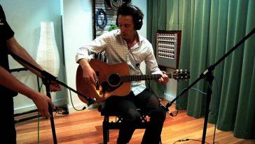 microfono-chitarra-acustica