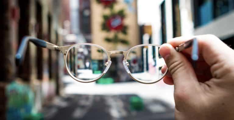 come-pulire-occhiali-da-vista